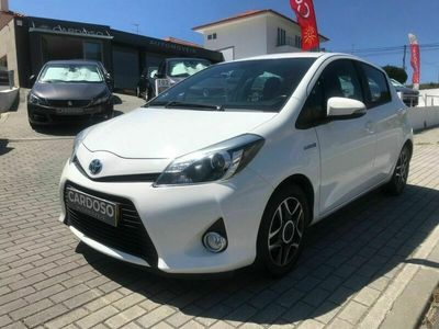 usado Toyota Yaris 1.5 HYBRID STYLE NAVI