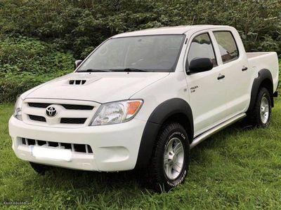 usado Toyota HiLux 2.5 D4D 4x4 NOVA