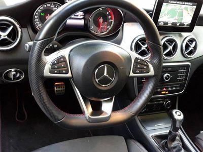 usado Mercedes GLA180 AMG Line panoramico