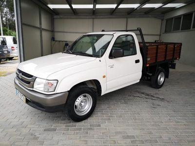usado Toyota HiLux D4-D 4x2 Cab. Simples 3 Lugares