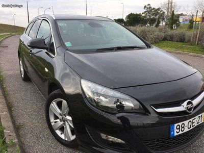 usado Opel Astra Turbo D 136 cv