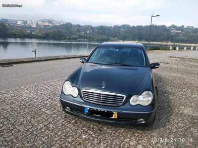 usado Mercedes C270 advantgard