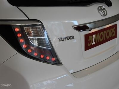 "usado Toyota Yaris 1.4 D-4D GPS + Camera JLL 17"" 90cv 5p"