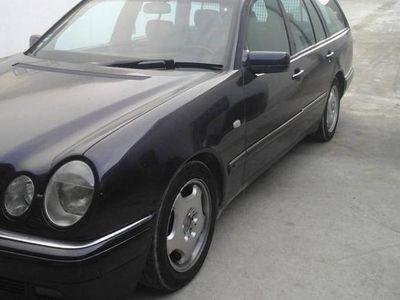 usado Mercedes E300 avantegard -