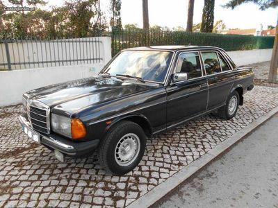 usado Mercedes 240 D - Ex Embaixada