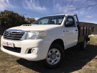 usado Toyota HiLux 2.5 D4D 144 CV