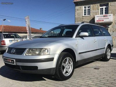 usado VW Passat 1.9TDi 115cv 6Veloci