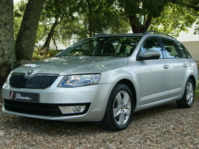 usado Skoda Octavia Break 1.6 TDI DSG Ambition