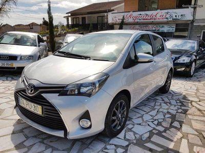 usado Toyota Yaris 1.4D 6V AC/camara