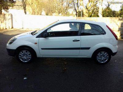 usado Ford Fiesta 1.4 TDCI 130mil km -