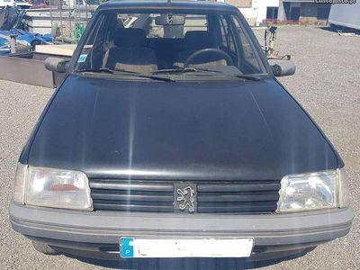 begagnad Peugeot 205 1.1