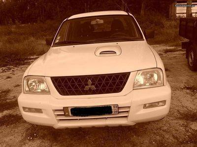 usado Mitsubishi L200 4x2 cabine dupla
