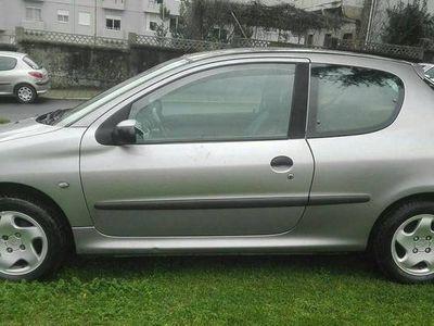 usado Peugeot 206 1.4 HDI ANO 2002 -