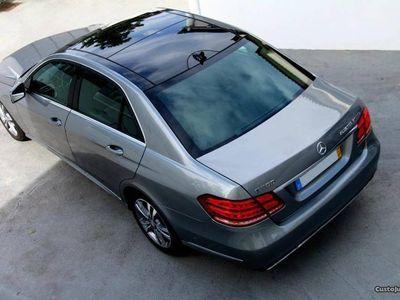 usado Mercedes E300 tecto panorâmico