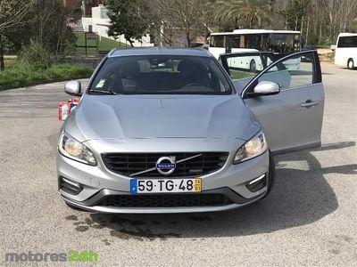 usado Volvo V60 1.6 D2 R-Design