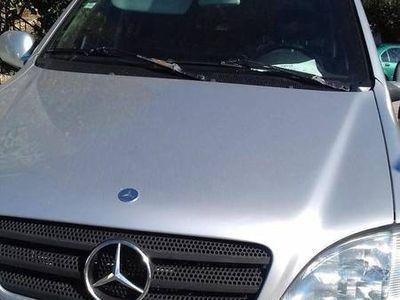 usado Mercedes ML270 Passageiros ano 2000