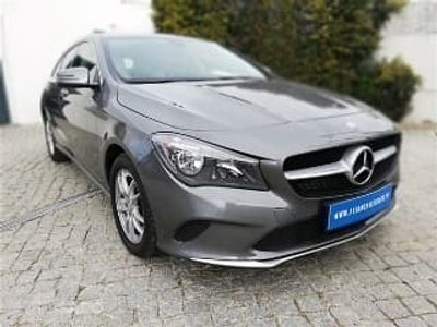 usado Mercedes CLA180 Shooting Brake Classe d Caixa Auto (109cv) (5p), Diesel
