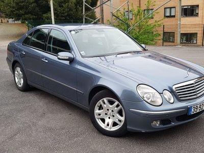 usado Mercedes E270 CDI Elegance L. Revisões