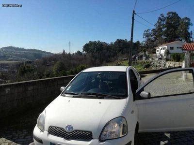 usado Toyota Yaris DT