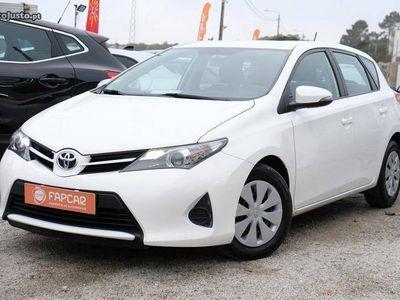 usado Toyota Auris 1.4 D-4D Comfort Navi