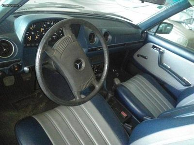 usado Mercedes E230 W123