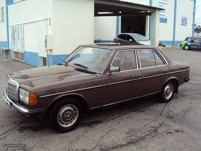 usado Mercedes 220 D Limousine (123)