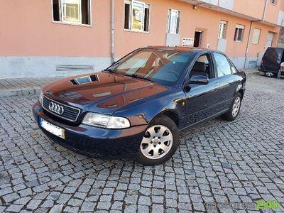 usado Audi A4 1.6 Attraction