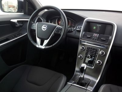 usado Volvo XC60 D4 MOMENTUM 181 CV