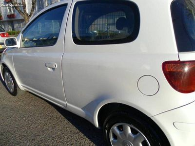 usado Toyota Yaris 1.4 - 75 CV - 04