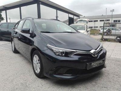 used Toyota Auris ---