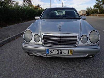 usado Mercedes E200 KOMPRESSOR