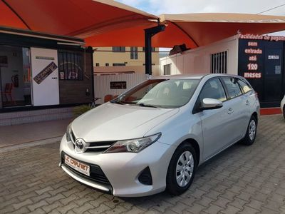 usado Toyota Auris Touring Sports ---
