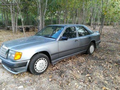 usado Mercedes E200 sedam
