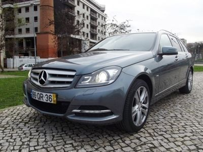 usado Mercedes C220 CDi Avantgarde BE Aut.