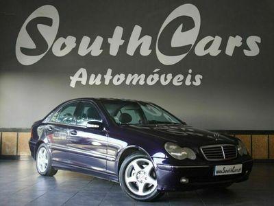 usado Mercedes C220 avantgardi versão especial, T/A cx automática