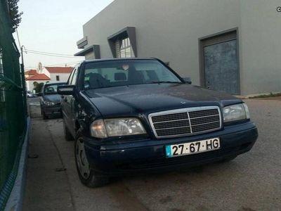 usado Mercedes C200 2.0 D