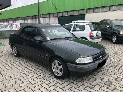 usado Opel Astra Cabriolet BERTONE 1.6