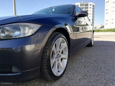 używany BMW 320 d E90
