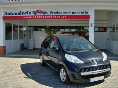 usado Peugeot 107 1.0 BLACK & SILVER EDITION 68 CV