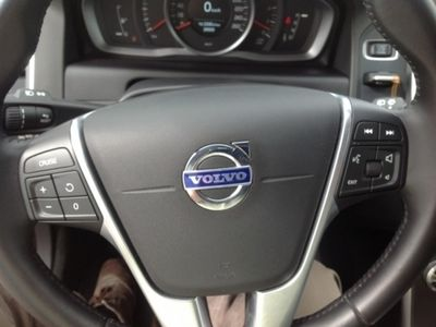 usado Volvo XC60 2.0 D4 Momentum Geartronic