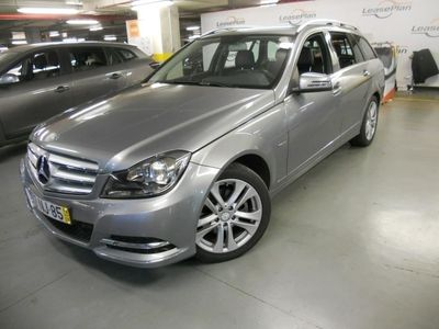 usado Mercedes C220 ClasseCDi Avantgarde BE 128g