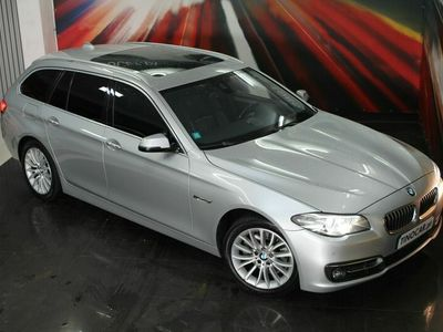 usado BMW 520 Touring D Line Luxury Auto | GPS | TETO | Bi-Xénon | Câmara