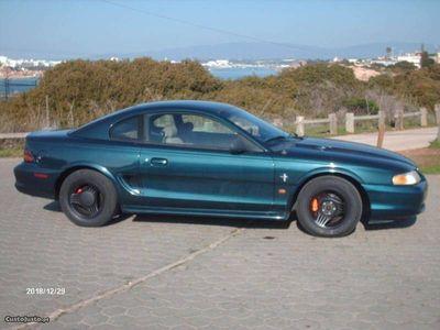 usado Ford Mustang Coupe V6 3.8