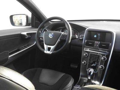 usado Volvo XC60 D4 R-Design Momentum Geart. 8V 181cv
