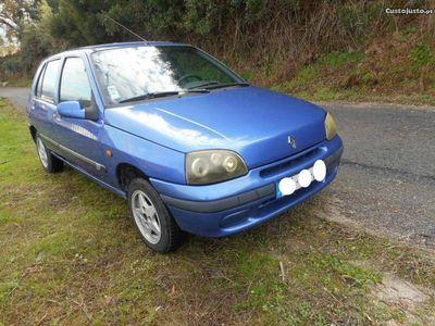 usado Renault Clio 1.1 -
