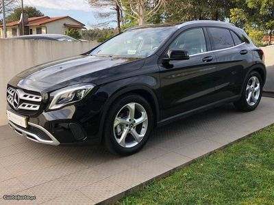 usado Mercedes GLA180 URBAN TETO PANO Auto