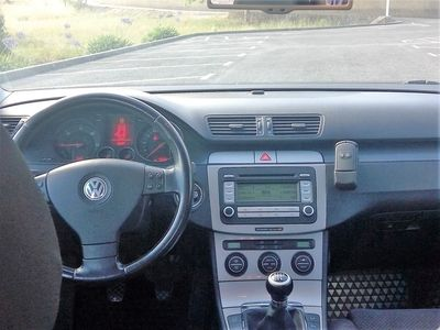 gebraucht VW Passat 1.9 TDi Confortline (105cv) (4p)