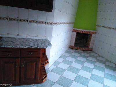usado Wartburg 353 berlina Apartamento T3 Carqueijo