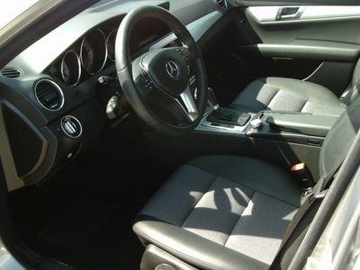gebraucht Mercedes C220 Classe CCDi Avantgarde BE Aut. (170cv) (4p)