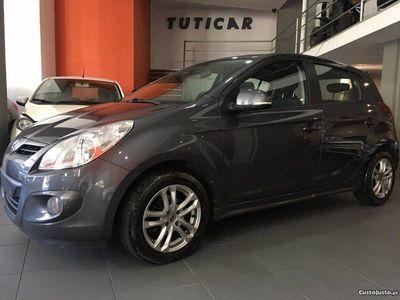 usado Hyundai i20 1.4 CRDI 90cv ESP - 11